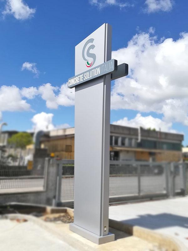 totem-aziendale-luminoso-concrete-solution-italia-srl-mantova