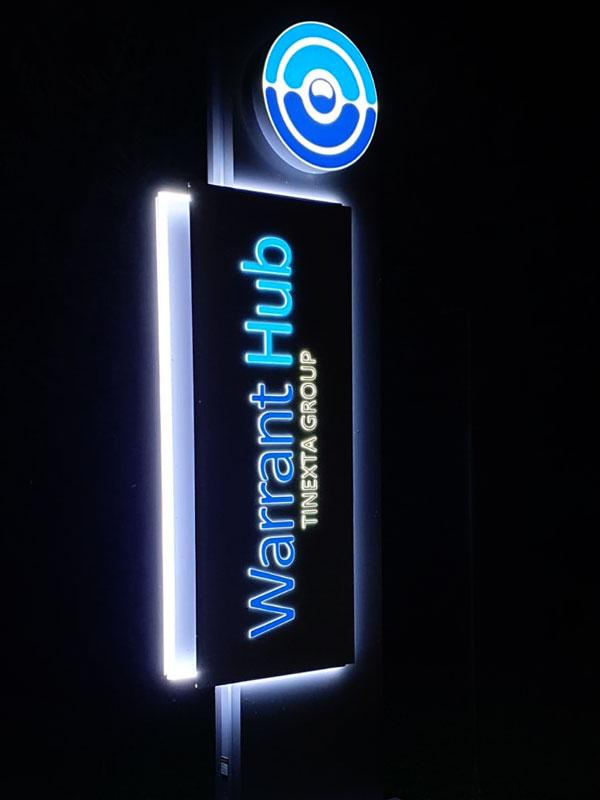 totem-design-bonetti-pubblicita-warrant-hub