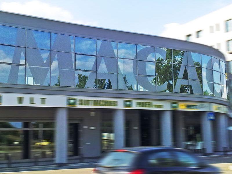 MACAO-REGGIO-EMILIA---Vetrofania-decorativa-sabbiata-2