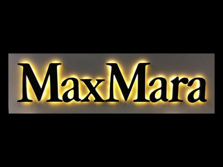 insegna-in-plexi-retroilluminata-max-mara-bonetti-pubblicita