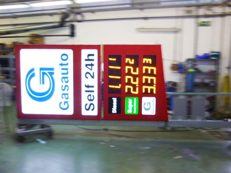 realizzazione-totem-per-carburanti-bonetti-pubblicita