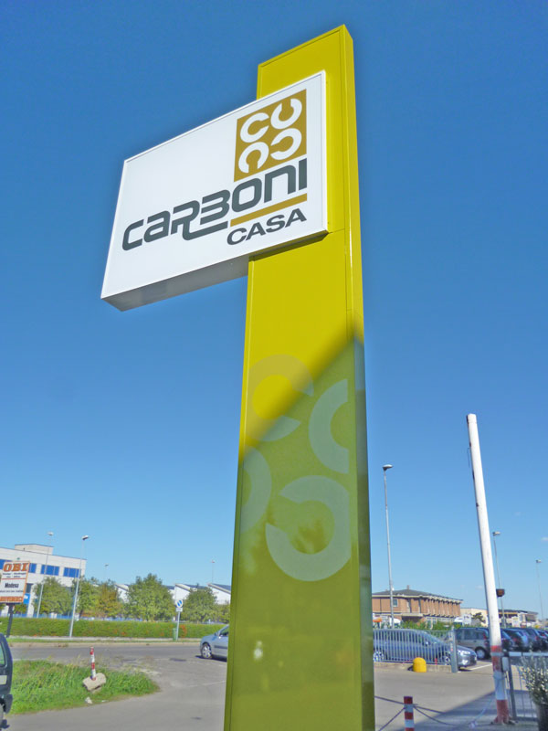 totem-aziendale-su-stelo-carboni-spa