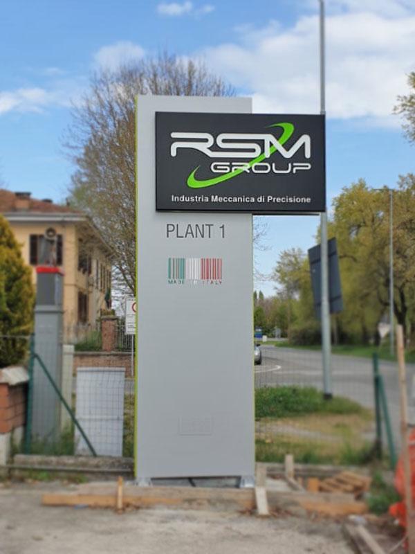 totem-pubblicitario-luminoso-rsm-group-modena