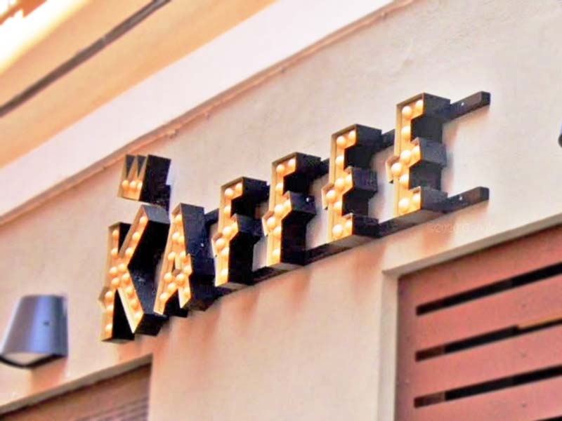 insegna-luminosa-scatolata-vintage-led-cabochon-kaffe-reggio-emilia