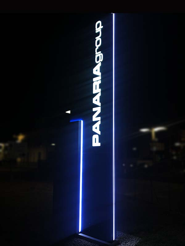 totem-pubblicitario-design-panaria-group-fiorano-sassuolo-bonetti
