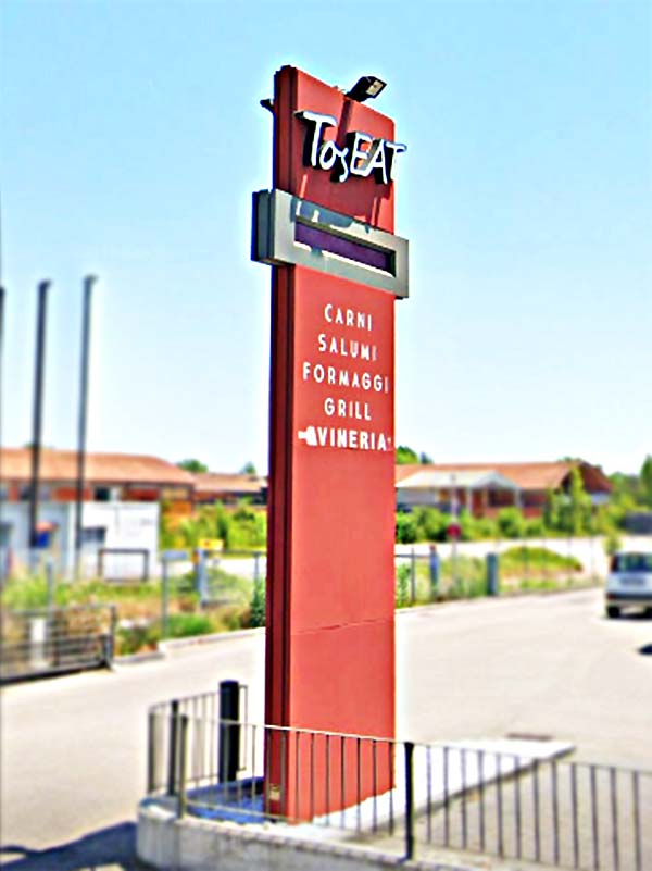 totem-luminoso-aziendale-Toseat-Bonetti-Pegognaga-Mantova
